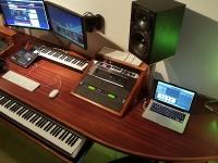 DJ booth studio tafel