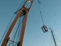 Plaatsen lichtkoepel met behulp ponton Smit Tak